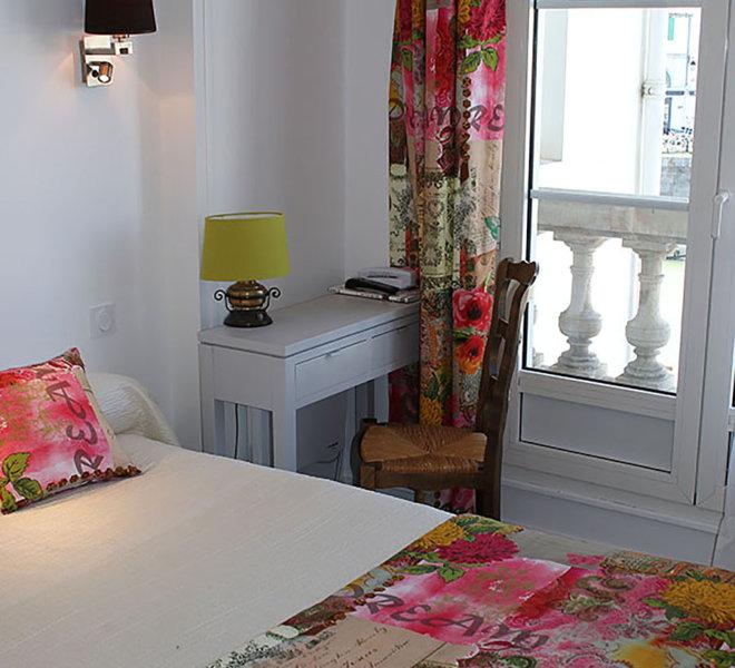 hotel-ile-de-re-les-colonnes-chambre-3-standard-port-saint-martin-de-re-17
