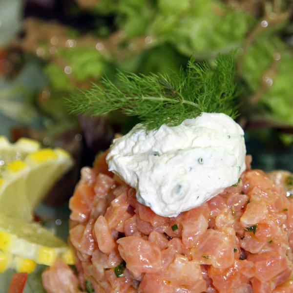 restaurant-ile-de-re-tartare-de-saumon-les-colonnes-vacances-saint-martin-de-re-017