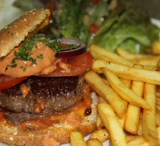 restaurant-les-colonnes-cheeseburger-maison-saint-martin-de-re-17